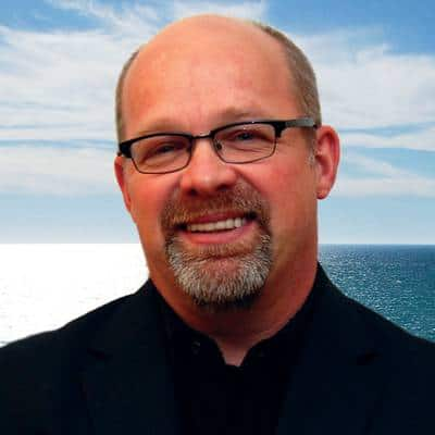 Ken's headshot